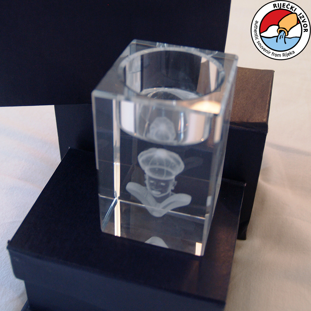 3D Morčić – crystal prism candle holder measuring 50x50x80mm