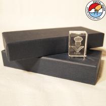 Moretto 3D – prisma di cristallo porta carta di dimensione 30x30x30mm